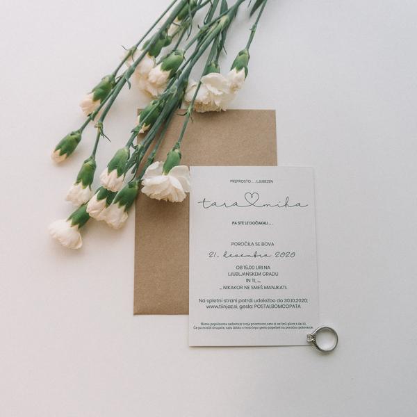 minimalisticno poročno vabilo tara in miha